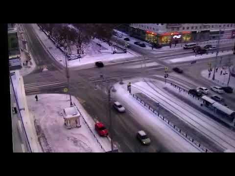 Специалисты ЦОДа оперативно устраняют поломку светофоров в центре Екатеринбурга