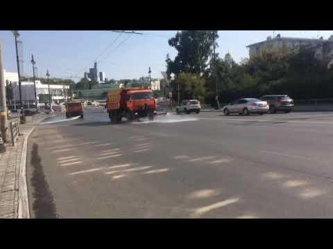 Екатеринбург вывел дополнительную технику на борьбу с беспрецедентной жарой